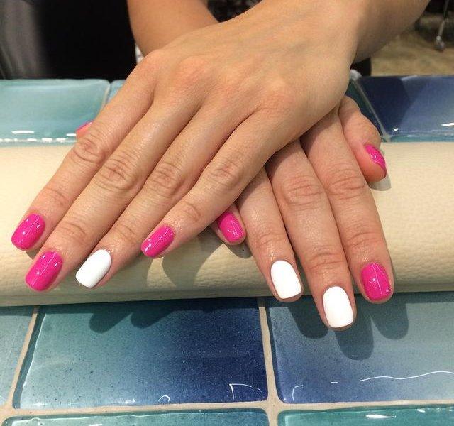 дизайн ногтей с перышками короткие ногти фото