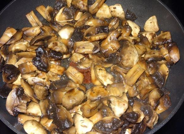 Жареные белые грибы замороженные