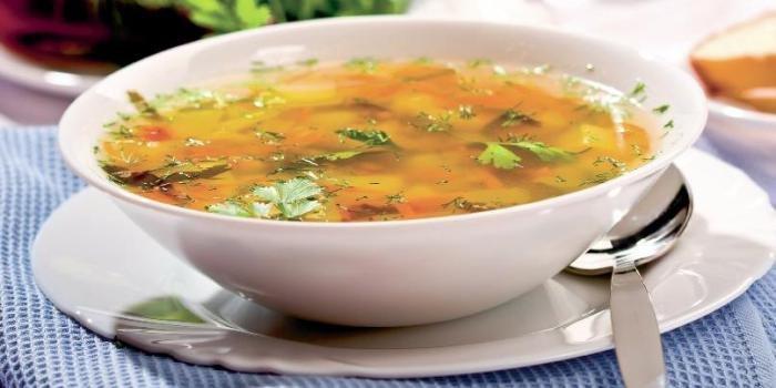 приготовление рыбного супа из консервов