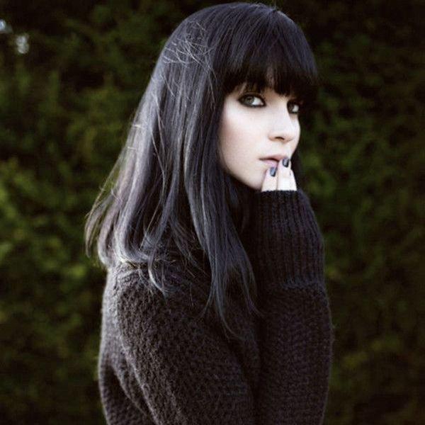 фото худенькой девушки с черными волоса смуглой