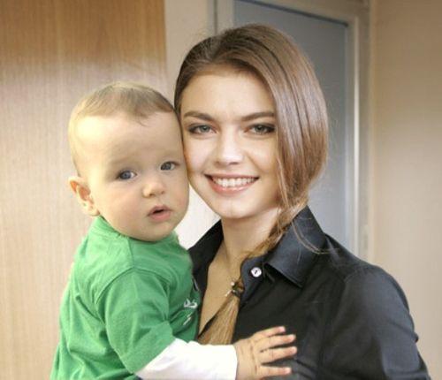 алина кабаева фото и дети