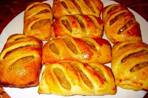 Пирожки с яблоками из готового дрожжевого теста