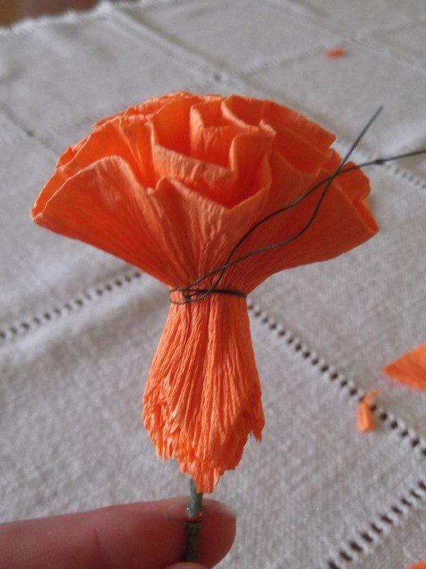 Как сделать красную гвоздику из бумаги своими руками