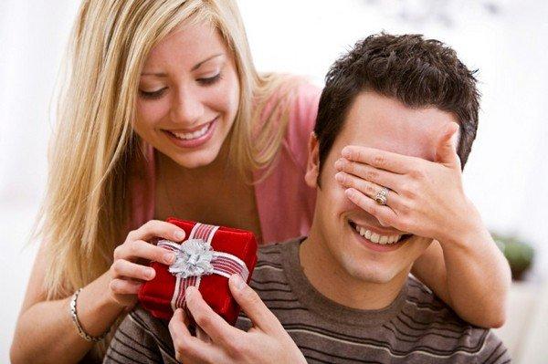 Что подарить мужчине, парню, мужу? 45 идей подарков 70