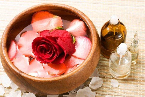 Лосьон из лепестков роз в домашних условиях. Полезные рецепты для приготовления лосьонов