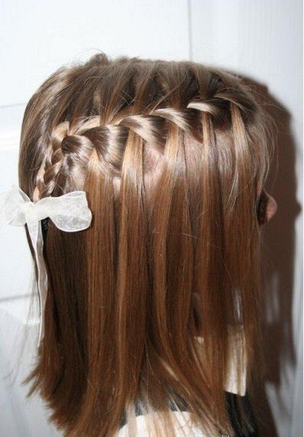Прическа на средние волосы на 1 сентября