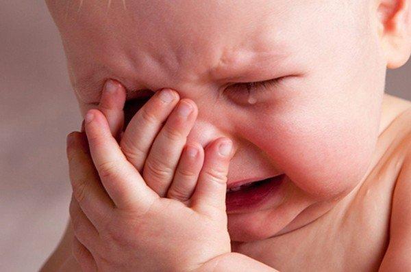 Когда выпадают волосы у новорожденного