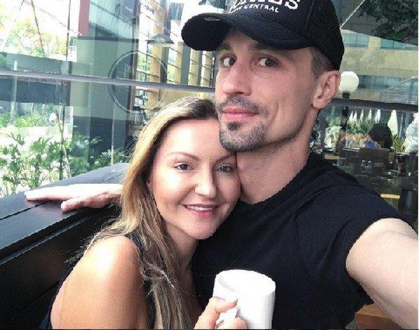 Дима билан занимается сексом со своими девушками