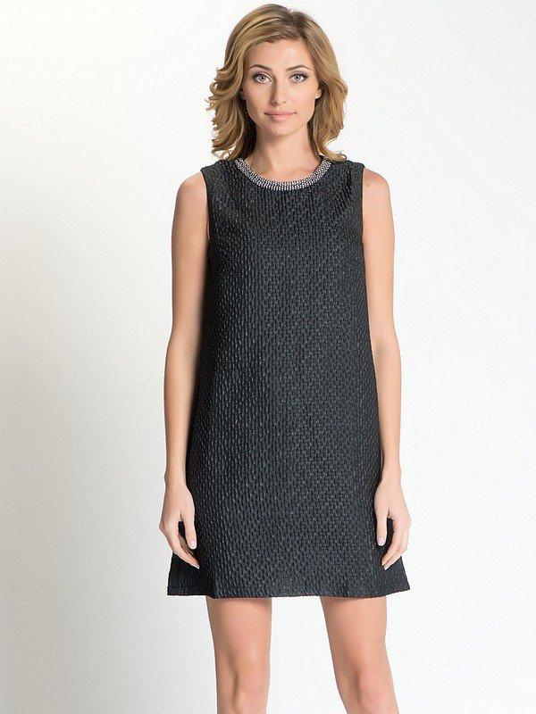 3f6914896dd ... соответствует особенностям фигуры и подчеркивает индивидуальность  стиля. Черное платье без рукавов – универсальный элемент гардероба любой  женщины