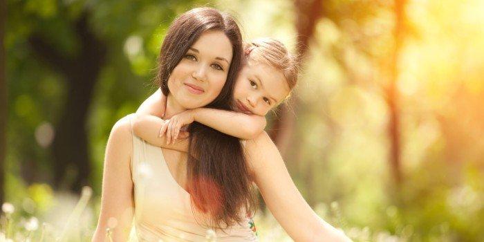 Мама обучает дочь любви и ласкам видео