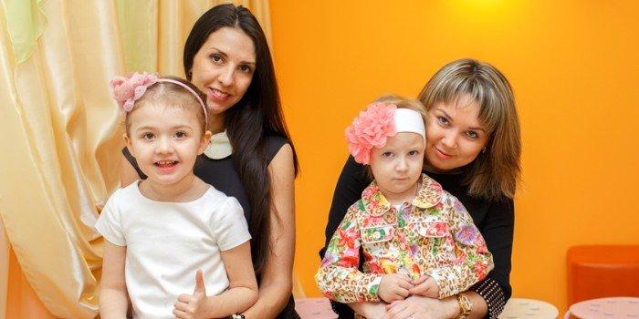 Веселые конкурсы для мам с дочками