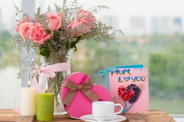 Что подарить маме на 8 марта от дочки своими руками