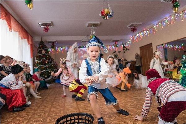 Сценки для маленьких на новый год