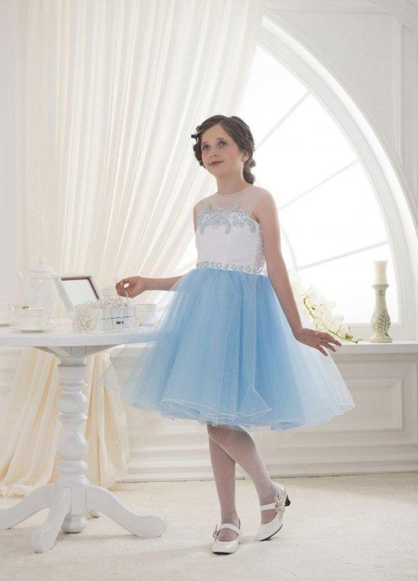 Платье на новый год которому 16 лет
