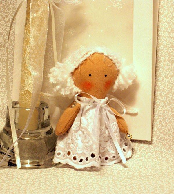 Поделка ангелочка из ткани с
