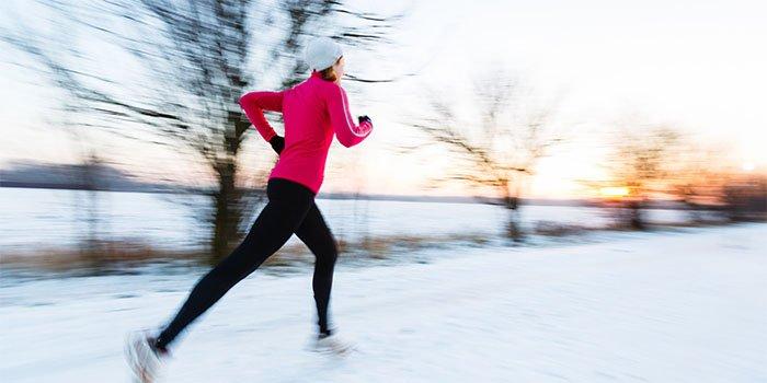 Как бегать зимой на улице правильный подход к пробежкам.