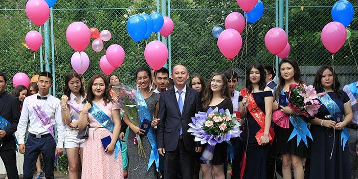 Поздравления родителей на выпускном 9 класс