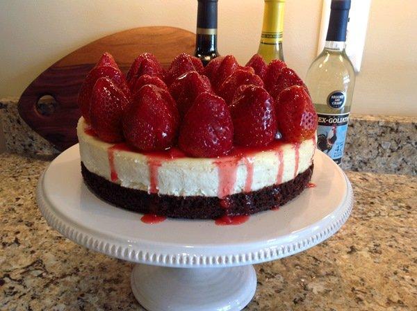Рецепт торта из творога и клубники