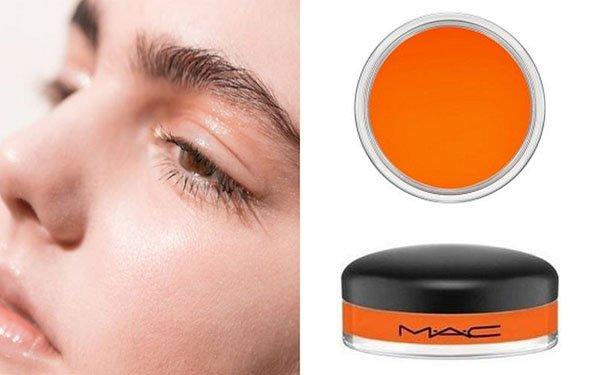 Персиковый – летний тренд-2017: ТОП-4 продуктов для anti-age макияжа