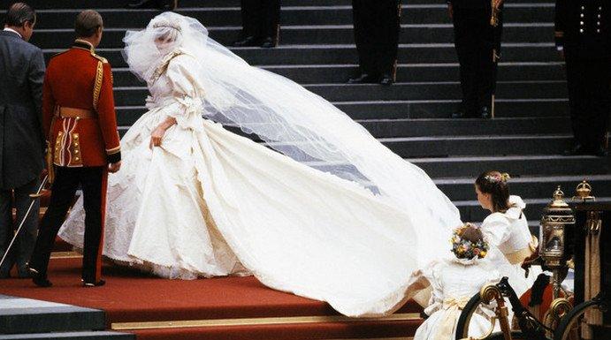 688930638d1 Сегодня исполняется ровно двадцать лет со дня трагической гибели в  автокатастрофе принцессы Дианы. Много воды утекло с тех пор