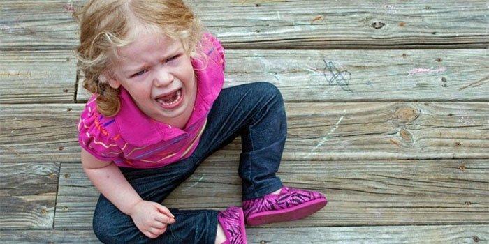 Как успокоить плачущего ребенка: 4 эффективных фразы