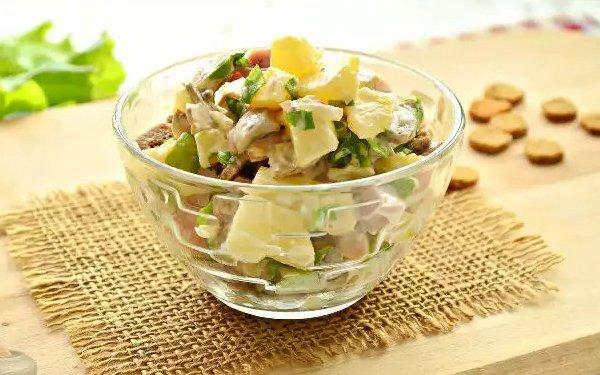 рецепт салата из ананасов и грудки