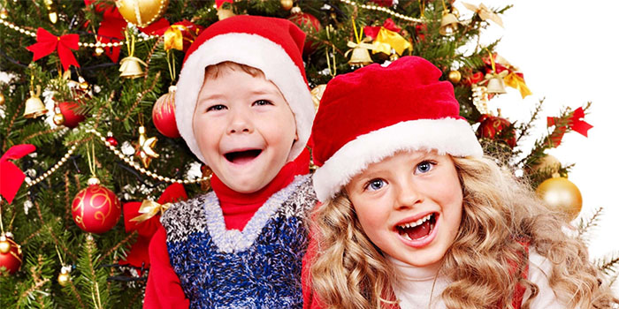 Новогоднее поздравление сценка для школьников