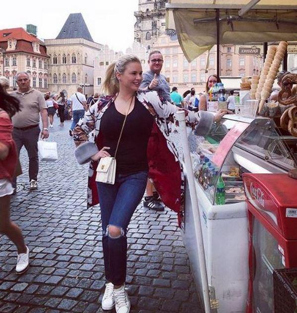 «Её в плуг впрягать можно»: Анну Семенович раскритиковали за лишние килограммы