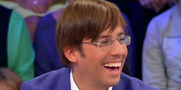 «Галкин сними шаровары»: необычный наряд Максима Галкина насмешил интернет-пользователей