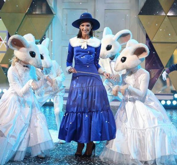 «Одна Бузова — д'Артаньян»: звезда «Дома-2» подарила юной поклоннице корову, кур и дрова