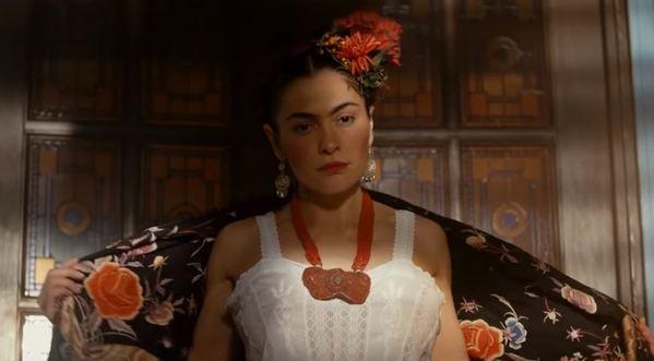 «Как две сестры»: Равшана Куркова обнаружила сходство своей бабушки с Фридой Кало