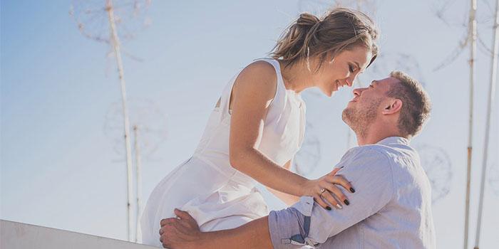 Как проявляет свою любовь женатый мужчина к девушке