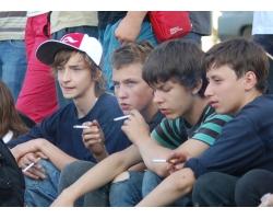 Причины курения несовершеннолетних детей