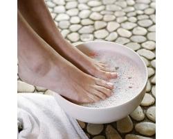 Как избавиться от запаха пота ног?