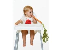 Маленький ребенок и твердая пища