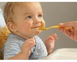 Чем вредно кормить вашего ребенка?