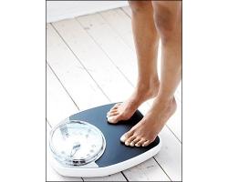 Почему женщина толстеет после родов?