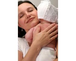 Почему малыши срыгивают после родов