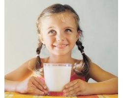 Полезные свойства молока в рационе питания школьника