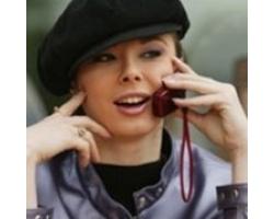 Должна ли девушка первой звонить своему парню, совет психолога