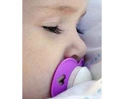 Как отучить малыша спать с пустышкой