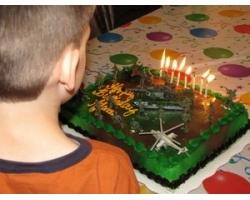 Какой подарок сделать мальчику восьми лет?