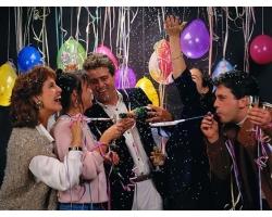 Как весело отпраздновать новый год с друзьями