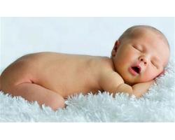 Беспокойный сон грудного ребенка