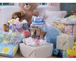 Что принято дарить новорожденному?