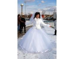 Зимнее простое свадебное платье