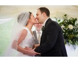К чему замужней женщине снится свадебное платье