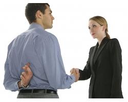 Как работодатели обманывают персонал