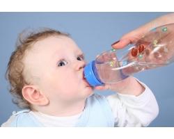 Вода для маленького ребенка