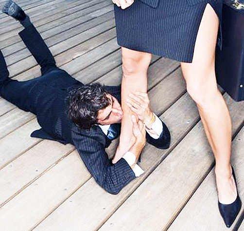 целовать ножки женщин - 9